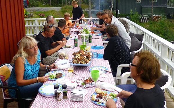 Langbordet med utrolig mye god mat